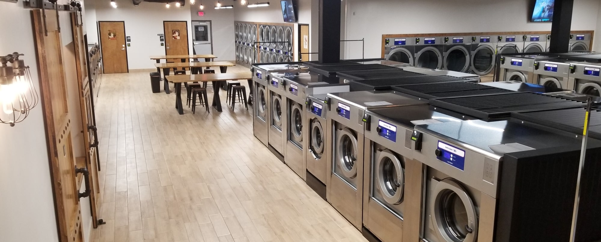 - Wash & Fold Laundromat - Commercial Laundry Service - Self Service